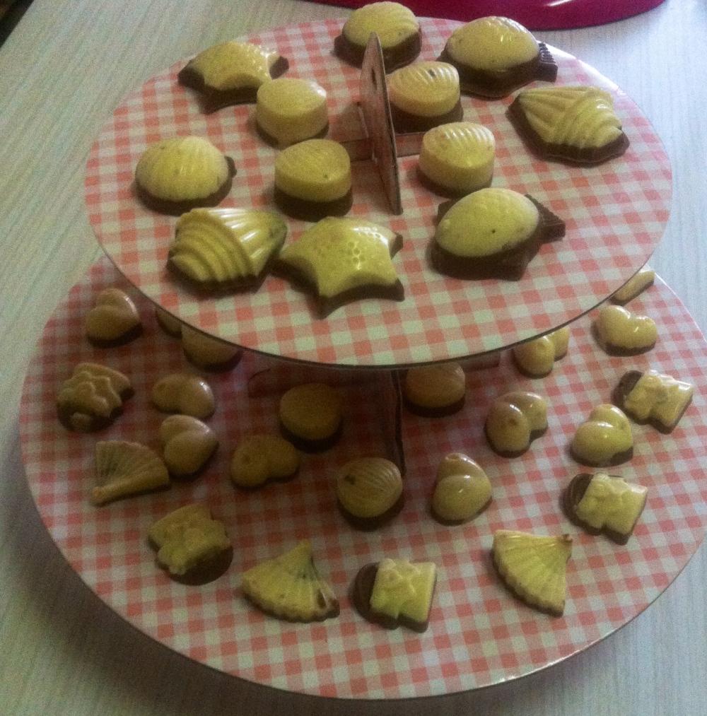 Bombones dos chocolates y avellana