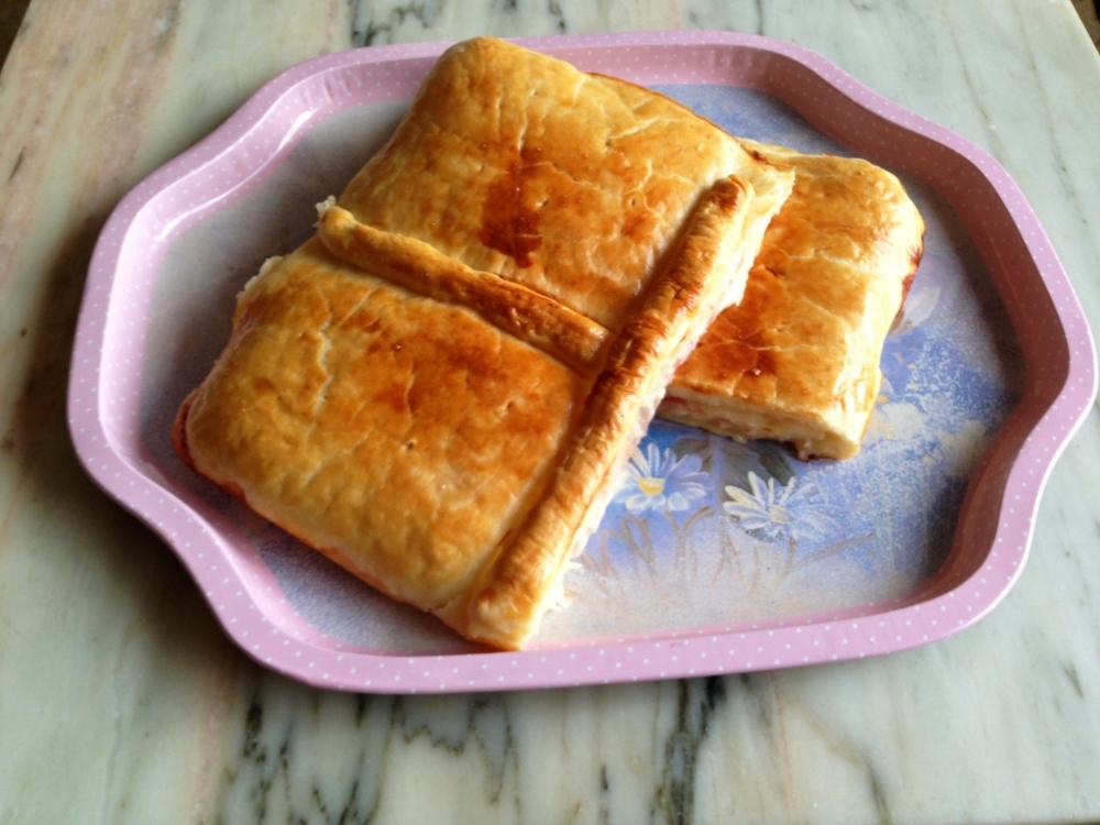 Empanada de Jamon york & queso