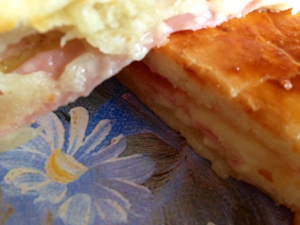 Empanada de jamon york & queso1